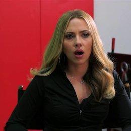 Scarlett Johansson über die Zusammenarbeit mit Joseph Gordon-Levitt - OV-Interview Poster