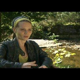 """Karoline Herfurth (""""Marie"""") über Marie und Vincent - Interview Poster"""