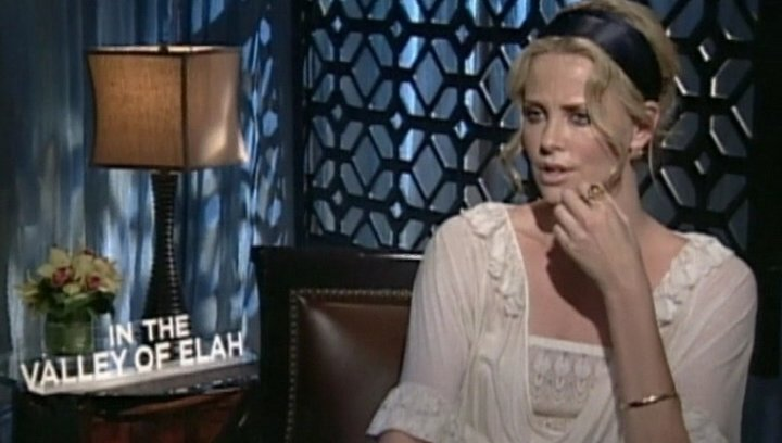 Interview mit Charlize Theron ( Det. Emily Sanders ) - OV-Interview Poster