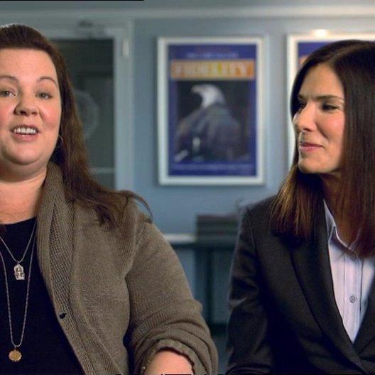 Sandra Bullock -Ashburn - und Melissa McCarthy - Mullins - über die Arbeit mit Sandra Bullock - OV-Interview Poster