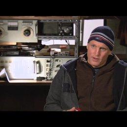 Woody Harrelson über seine Rolle - OV-Interview Poster