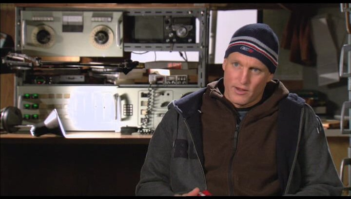 Woody Harrelson über seine Rolle - OV-Interview Poster
