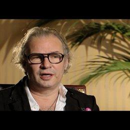 L. Haussmann über die Arbeit mit älteren Darstellern - Interview Poster