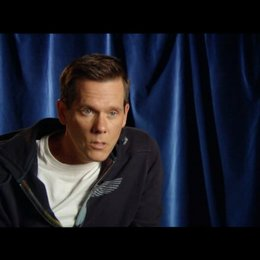 Kevin Bacon zum Showdown - OV-Interview Poster