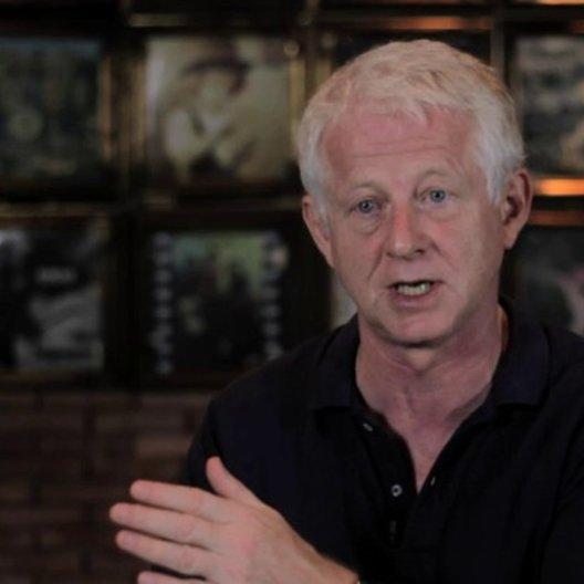 Richard Curtis über den Charme der Geschichte - OV-Interview Poster
