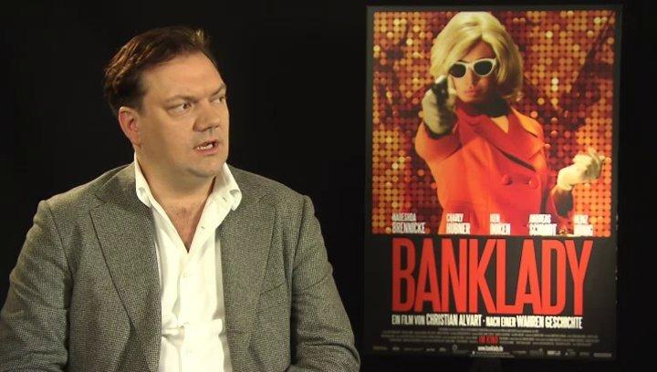 Charly Hübner - Hermann - über seine Rolle - Interview Poster