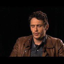 James Franco über die Videos von Aron - OV-Interview Poster