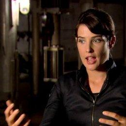 Cobie Smulders - Agent Maria Hill über Marias Verhältnis zu Nick Fury - OV-Interview Poster