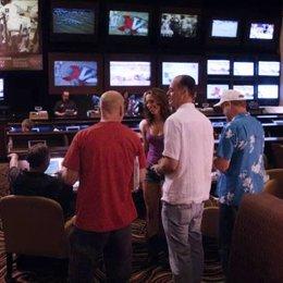 Beth im Casino zusammen mit Dink - Szene Poster