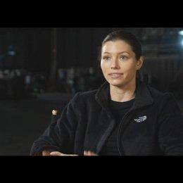 """Jessica Biel - """"Capt. Charisa Sosa"""" über die Beziehung zu """"Faceman"""" (Teil1) - OV-Interview Poster"""