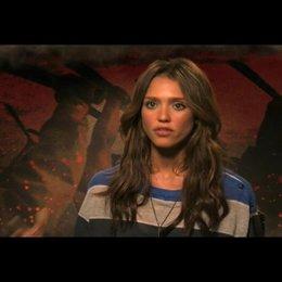 Jessica Alba über die Entwicklung ihrer Rolle - OV-Interview Poster