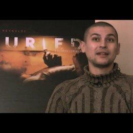 Rodrigo Cortes über das Drehbuch - OV-Interview Poster
