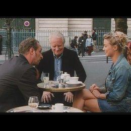 Francois trifft das erste Mal auf Julie - VIRGINIE EFIRA - Szene Poster