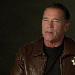 Arnold Schwarzenegger (Ray Owens) über den Grund, warum er den Film machen wollte - OV-Interview Poster