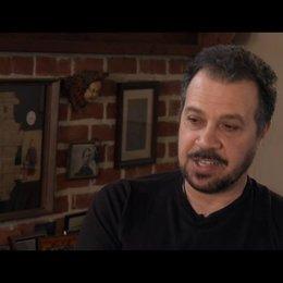 Edward Zwick über die Tonalität des Films - OV-Interview Poster