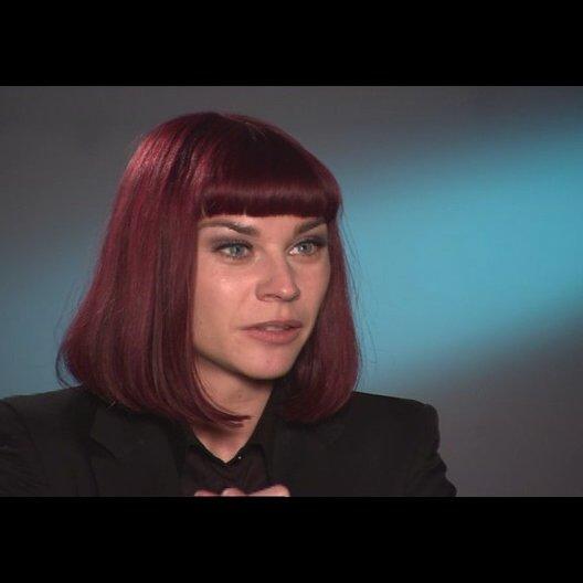 Christiane Paul über ihre Rolle (2) - Interview Poster