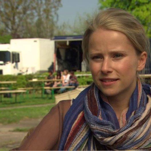 SUSANNE BORMANN - Hanna - über die Jungs am Set - Interview Poster