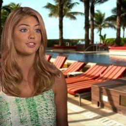 Kate Upton - Amber - darüber, was das Publikum erwarten kann - OV-Interview Poster