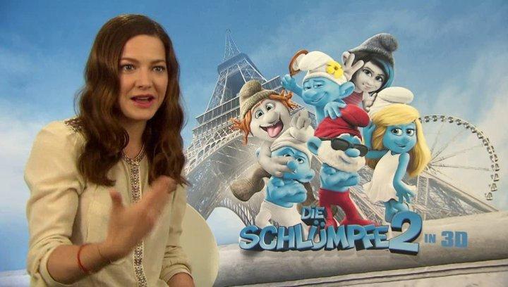 Hannah Herzsprung -Schlumpfine- über die Originalstimmen - Interview Poster