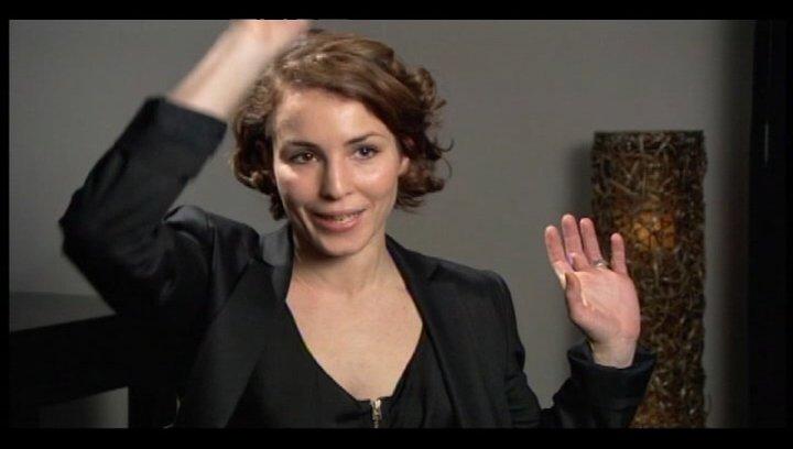 Noomi Rapace über VERGEBUNG und Lisbeth auf dem Kriegspfad - OV-Interview Poster