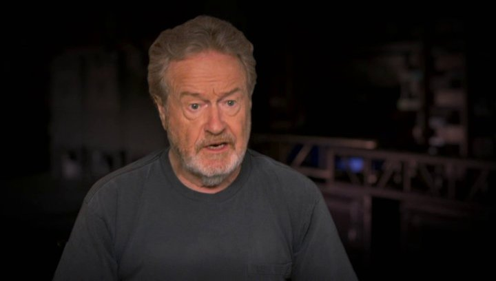 Ridley Scott über die Menge der Menschen am Set - OV-Interview Poster