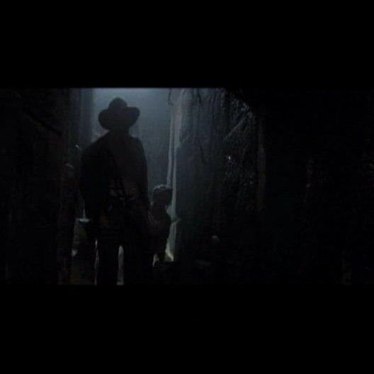 """Der Hut von Dr. Jones: Am Rande der Dreharbeiten zu """"Indiana Jones 4"""" lüften Harrison Ford und Steven Spielberg Geheimnisse um die legendäre Kopfbedec Poster"""