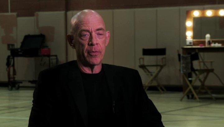 J K Simmons über seine Vorbereitungen auf die Rolle - OV-Interview Poster