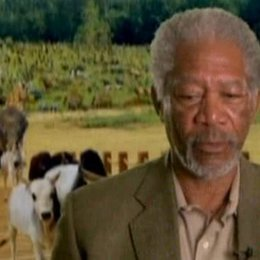 Morgan Freeman (Gott) über seine Bedenken, eine solche Rolle anzunehmen, seine Liebe zur Schauspielerei und die Erkenntnis, dass man Gott nicht zu ern Poster