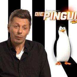 Michi Beck - Skipper - über die Qualitäten der Pinguine - Interview Poster