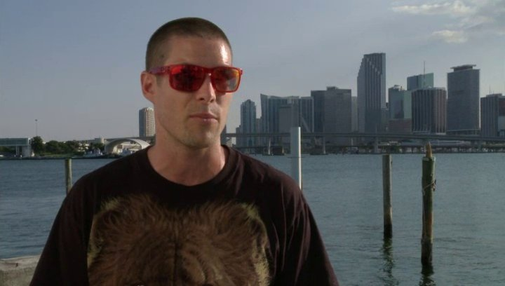 Chadd Smith - Vladd über Ryan Guzman - OV-Interview Poster
