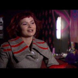 Anna Fischer ueber Noras Geburt zum Vampir - Interview Poster