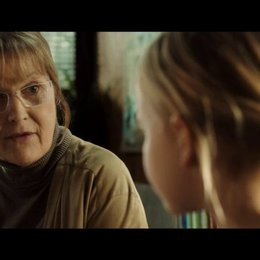Grethe und Ole befragen Klara zu den Vorwürfen - Szene Poster