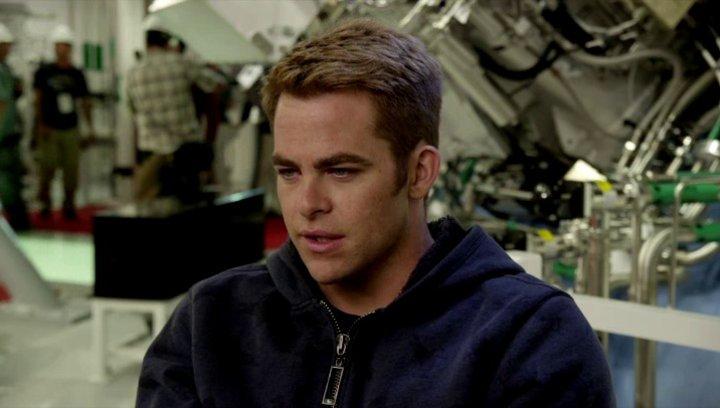 Chris Pine - Captain James Kirk - über die Beziehung zwischen Kirk und Spock - OV-Interview Poster