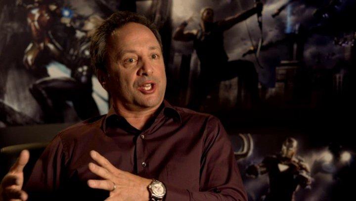 Louis D Esposito - Ausführender Produzent über die Familiendynamik in der Story - OV-Interview Poster