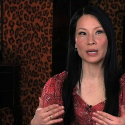 Lucy Liu über die Zusammenarbeit mit RZA - OV-Interview Poster