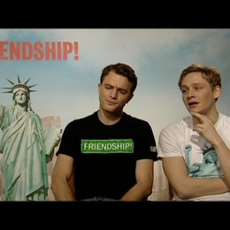 """Exklusiv: Friedrich Mücke und Matthias Schweighöfer über """"Friendship"""" - Interview Poster"""