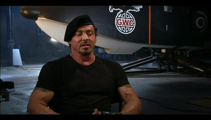Sylvester Stallone über Jason Statham - OV-Interview Poster