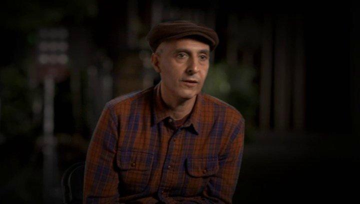 John Turturro über das Thema des Films - OV-Interview Poster