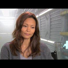 Thandie Newton über ihre Rolle - OV-Interview Poster