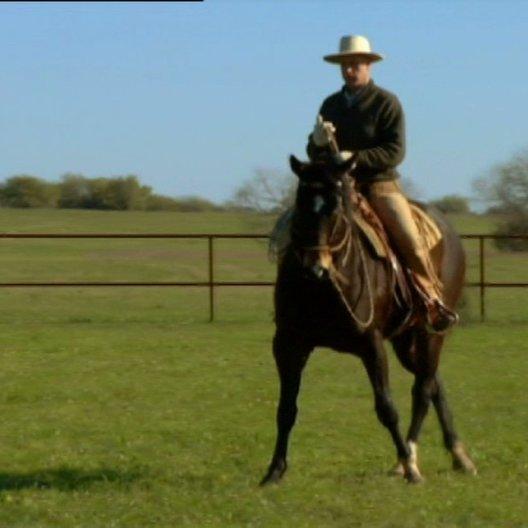 Buck zeigt wie man ein Pferd ohne physische Kraft dazu bringt, den Kommandos zu folgen - Szene Poster