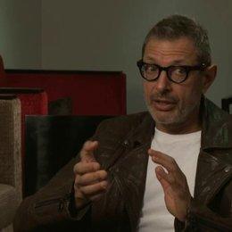 Jeff Goldblum über seine Erwartungen zum Dreh - OV-Interview Poster