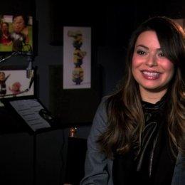 Miranda Cosgrove über Margos Veränderung seit dem ersten Teil - OV-Interview Poster
