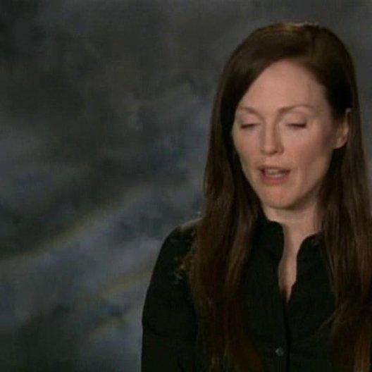 Julianne Moore (Callie Ferris) über die Rolle der Atombombendrohung im Film, ihren Spaß, die Böse zu spielen und ihre Vorbereitung auf den Part einer  Poster