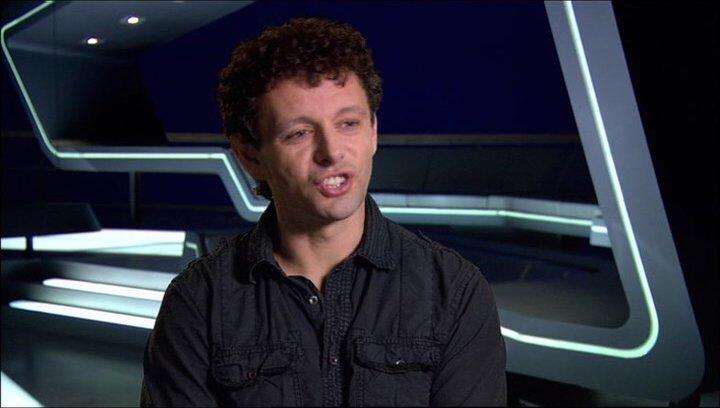 Michael Sheen (Castor - Zuse) über seine Rolle als Castor - OV-Interview Poster