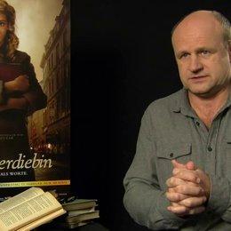 Oliver Stokowski - Alex Steiner - über das Besondere am Film - Interview Poster