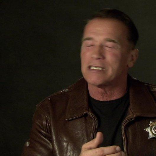 Arnold Schwarzenegger (Ray Owens) über seine Rückkehr zu Action und Stunts - OV-Interview Poster