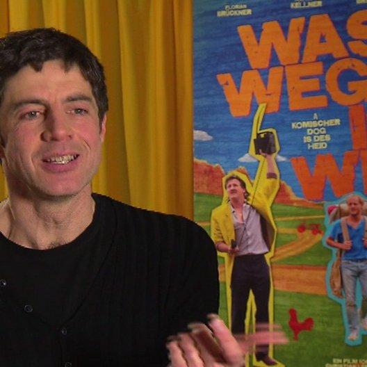 Christian Lerch (Regisseur) über den Satz jede Familie ist eigen - Interview Poster