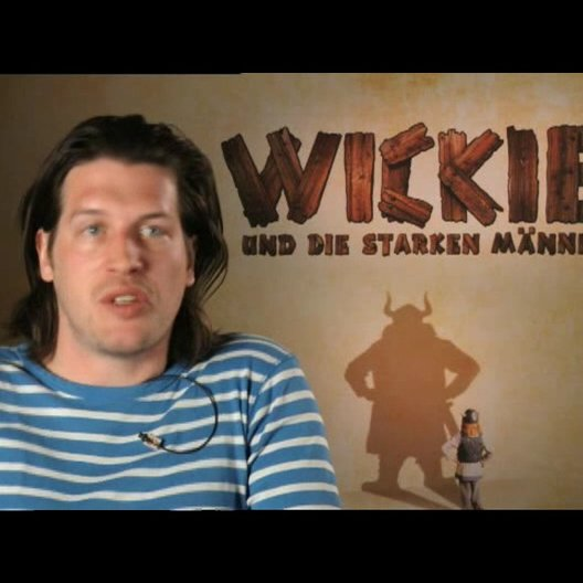 """Nic Romm beschreibt seine Rolle als """"Tjure"""" - Interview Poster"""