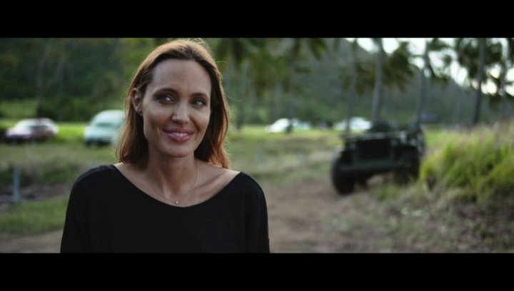 Angelina Jolie über Jack O Connell - OV-Interview Poster