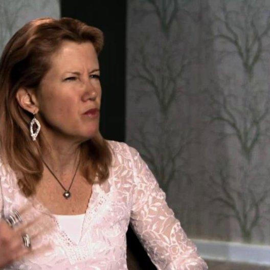 Lisa Bruce über die Geschichte - OV-Interview Poster